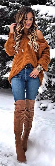 #winter #outfits blue denim fitted jeans