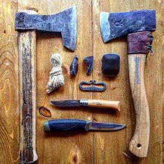 I made a temporary handle for my new axe , I'll make a proper one as soon as return back , oh I forgot to say that I'm back in the city  #bushcraft #woodcraft #woodsman #outdoorsman #axe #axejunkies #husqvarna #mora #opinel #knife #flintandsteel #flintandsteelfire#morakniv #hatchet #flint #highcarbon #realmanshit #edc