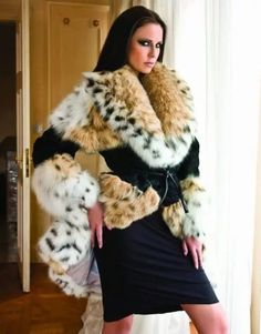 fur fashion directory is a online fur fashion magazine with links and resources related to furs and fashion. furfashionguide is the largest fur fashion directory online, with links to fur fashion shop stores, fur coat market and fur jacket sale. Fetish Fashion, Fur Fashion, Fashion Photo, Fasion, Lynx, Animal Fur, Fur Clothing, Fox Fur Coat, White Fur
