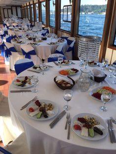 Yemekli Boğaz Turları.   http://www.bogazdagezi.net/yemekli-tekne-bogaz-turu