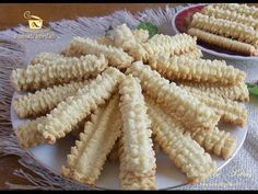Imagini pentru ce are petruta dinu zice petruta dinu Best Cookie Recipes, Baking Recipes, Cake Recipes, Dessert Recipes, Romanian Desserts, Romanian Food, Spritz Cookies, Galletas Cookies, Pita