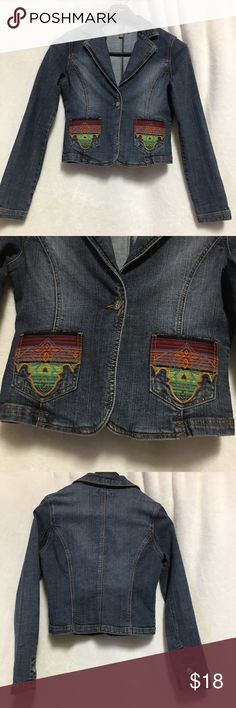 Bluet Women's Denim Jacket/Blazer Size Medium Denim jackets with colorful pockets  Size small The only flaw is that there is a marker mark on the size label otherwise the jacket is in very good condition no stains or holes   Length-19.5 Underarm to Underarm-16.5 Jackets & Coats Jean Jackets