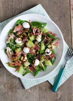 Meloen ham etc. Bruchetta Recipe, Salad Recipes, Healthy Recipes, Gym Food, Buffet, Quiche, Summer Salads, Soup And Salad, Food Inspiration