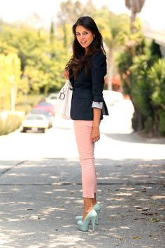 Pink jeans / mint heels