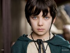 """Asa Butterfield - Mordred - Merlin (TV Series) In the season 1 episode """"The Beginning of the End"""" Merlin meets a young druid boy named Mordred. The Great Dragon warns him against saving this boy as if he does then the boy will kill Arthur. Mordred Merlin, Merlin Cast, Merlin Season 2, Asa Buterfield, Hogwarts, Merlin Series, Tv Series, Hugo Cabret, Ender's Game"""