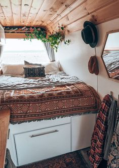Living the Dream! Australian Vanlifers Embracing Life On The Road - The Design F. Living the Dream! Australian Vanlifers Embracing Life On The Road - The Design Files Tiny House Mobile, Mobile Home Living, Mobile Homes, Home Design, Blog Design, Design Design, Van Kitchen, Kombi Home, Van Home