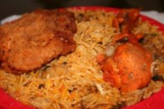 yummy afghani chicken and rice Afghan Food Recipes, Rice Recipes, Indian Food Recipes, Chicken Recipes, Cooking Recipes, Mango Sauce, Pomegranate Seeds, Middle Eastern Recipes, Chicken
