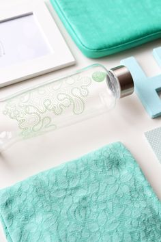 Lavivavera for EQUA bottle in green #water #glassbottle #green #pattern
