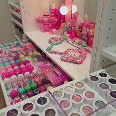 48 Trendy Makeup Table Organization Storage Ideas Make Up Vanity Makeup Rooms, Makeup Table Vanity, Vanity Desk, Rangement Makeup, Make Up Storage, Storage Ideas, Unicorn Makeup, Pinterest Makeup, Cute Room Decor