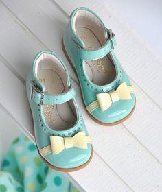 Zecchino d'Oro zapatos infantilescon sabor a artesanía http://www.minimoda.es