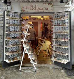 Handmade Positano sandals (La Botteguccia on Via Regina Giovanna 19) and Safari on via della Tartana 2