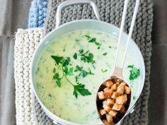 Petersiliensuppe auf kroatische Art ist ein Rezept mit frischen Zutaten aus der Kategorie Kräuter. Probieren Sie dieses und weitere Rezepte von EAT SMARTER!