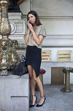 Fitted Skirt + loose top + heels