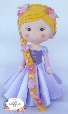 Princesas em feltro e cetim para decoração de festa.