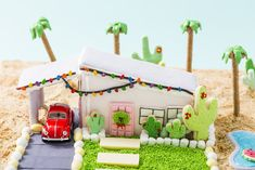 Put your baking skills to the test with this Palm Springs Gingerbread House masterpiece! Cool Gingerbread Houses, Gingerbread House Designs, Gingerbread House Parties, Gingerbread Village, Christmas Gingerbread House, Christmas Lunch, Christmas Treats, Christmas Baking, Gingerbread Cookies