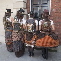 Steampunk Group Costumes Done Right - How to plan, design and create a steampunk. - Steampunk Group Costumes Done Right - How to plan, design and create a steampunk. Steampunk Kunst, Style Steampunk, Steampunk Design, Gothic Steampunk, Steampunk Clothing, Steampunk Fashion, Fashion Goth, Steampunk Female, Fashion Hair