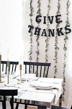 DIY Simple Thanksgiving Garland - MichaelsMakers Homey Oh My!