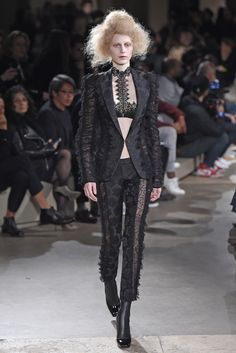 LOOK | 2015-16 FW PARIS COLLECTION | ALEXANDER McQUEEN | COLLECTION | WWD JAPAN.COM