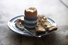 Boiled egg, soldiers, and Cornishware – a winning combination!