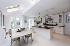 good layout london kitchen Eyebrow Makeup Tips Open Plan Kitchen Dining Living, Open Plan Kitchen Diner, Kitchen Diner Extension, Kitchen On A Budget, Living Room Kitchen, New Kitchen, Kitchen Interior, Kitchen Decor, Kitchen Ideas