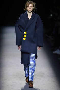 Jacquemus | Ready-to-Wear - Autumn 2016 | Look 34