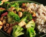 Deliciously spicy tofu with broccoli and rice