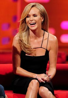 Amanda Holden performs a graceful headstand on The Graham Norton Show #dailymail