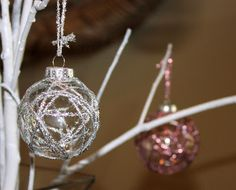 Ribbon Wrapped Ornament Bulb - DIY  (love the simplicity).
