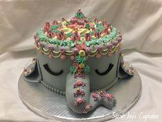 [HOMEMADE] Elephant princess cake for a kids birthday. What do you think? Elephant Birthday Cakes, Girly Birthday Cakes, Elephant Cakes, Birthday Cupcakes, Pretty Cakes, Beautiful Cakes, Amazing Cakes, Un Cake, Animal Cakes