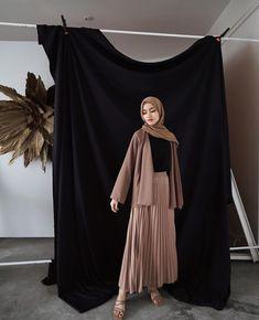 Modern Hijab Fashion, Muslim Women Fashion, Street Hijab Fashion, Ulzzang Fashion, Hijab Fashion Inspiration, Fashion Outfits, Modest Outfits, Simple Outfits, Hijab Elegante
