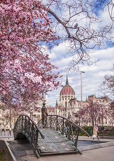 Budapest, Hungary- Tanks that Get Around is an online store …, America destinations - Travel Destinations Places To Travel, Places To See, Wonderful Places, Beautiful Places, Wachau Valley, Travel Around The World, Around The Worlds, Hungary Travel, Budapest Travel