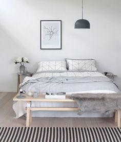 Amazing 30 Cozy Scandinavian Master Bedroom Ideas https://cooarchitecture.com/2017/04/12/cozy-scandinavian-master-bedroom-ideas/