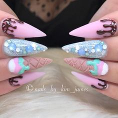 On average, the finger nails grow from 3 to millimeters per month. If it is difficult to change their growth rate, however, it is possible to cheat on their appearance and length through false nails. Summer Acrylic Nails, Cute Acrylic Nails, Acrylic Nail Designs, Nail Art Designs, Bling Nails, Dope Nails, Ice Cream Nails, Super Cute Nails, Kawaii Nails