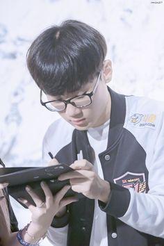 SKT T1 Effort - LH Skt T1, Lee Sung, Effort, Lol, Fun