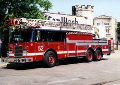 Chicago (IL) Fire Dept. Truck 52