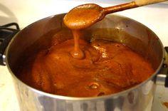 Bochet – Burnt Honey Mead: Le Menagier de Paris, France, 1393 Sounds like a lot of trouble. Mead Beer, Mead Wine, Medieval Recipes, Ancient Recipes, Old Recipes, Wine Recipes, Cooking Recipes, Toffee, Honey Mead
