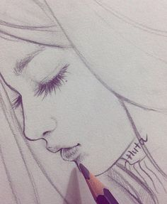 No photo description available. Anime Drawings Sketches, Kpop Drawings, Cute Drawings, Abstract Pencil Drawings, Pencil Drawings Of Flowers, Super Easy Drawings, Chinese Drawings, Beautiful Sketches, Drawing People