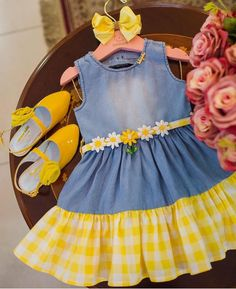 Frocks For Girls, Toddler Girl Dresses, Little Girl Dresses, Baby Girl Dress Patterns, Baby Dress Design, Kids Dress Wear, Kids Frocks Design, Baby Girl Boutique, Baby Couture