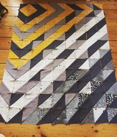 Weekend project ... #quilt #beginnerquilter #halfsquaretriangles #sewing #sewingismysuperpower #sewingaddict #ilovesewing #memade #memadeeveryday #modafabric #charmpack #modafragile #fragile