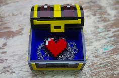 Pixel Chest Zelda Acrylic Plastic Box for jewelry and  gamer 8 bits With Pixel Heart pandent necklace