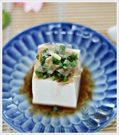Hiyayakko (Japanese Cold Tofu) | Anncoo Journal (omit bonito flakes for vegan option)