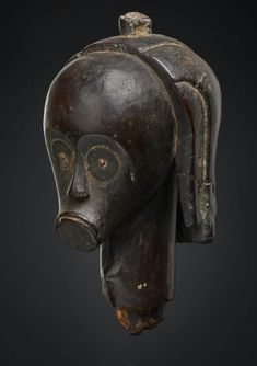 """têtes de reliquaire, Fang """"Eyema Byeri"""" Betsi-Ntumu reliquary head, africa - A Private Collection, Frankfurt (germany)TÊTE D'ANCÊTRE Copper Eye, Old Head, African Art, Glass Beads, Things To Come, Statue, Collection, Kunst, Sculptures"""
