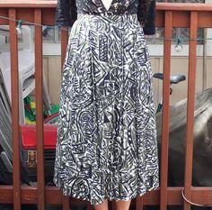 Vintage 1980s Doodle Skirt Green & Black Abstract Print   Etsy Black White Pattern, White Patterns, Black And White, Black Abstract, Abstract Print, Graffiti Prints, Vintage Wear, Hemline, 1980s