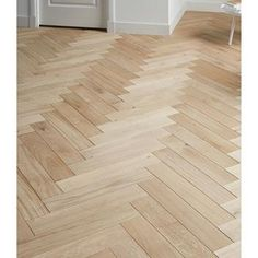 vtwonen parket visgraat eiken wit geolied 1,8m2 Wooden Flooring, Hardwood Floors, Back To Nature, My House, Sweet Home, Interior Design, Inspiration, Home Decor, Master Bedroom