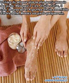 Foot scrub : 2 łyżki otrębów, pół szklanki brązowego c… Pedicure At Home, Manicure E Pedicure, Beauty Care, Beauty Hacks, Beauty Tips, How To Grow Eyebrows, Feet Care, Sweet Almond Oil, Recipe Of The Day