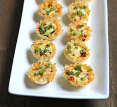 These Mini Vegetable Quiche Phyllo Cups are stuffed with vegetables, eggs and topped with Gruyere cheese to bring you the perfect appetizer for brunch or a special weekend breakfast! Phyllo Shell Recipe, Phyllo Recipes, Phyllo Cups, Phyllo Dough, Appetizer Recipes, Brunch Recipes, Mediterranean Appetizers, Mediterranean Breakfast, Mediterranean Diet Recipes