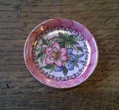 Coupelle de Maling  azalée modèle Newcastle par NostalgicHomeStore Newcastle, English Pottery, Dishes, Etsy, Beautiful, Vintage, Pottery, Tablewares, Vintage Comics