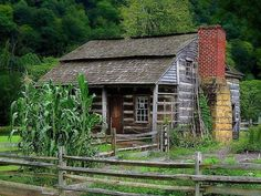 18 hundreds log cabin in West Virginia Old Cabins, Log Cabin Homes, Cabins And Cottages, Cabins In The Woods, Rustic Cabins, Rustic Homes, Small Cabins, Cabins In West Virginia, Virginia Usa