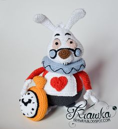Krawka: White Rabbit based on Alice in Wonderland crochet pattern