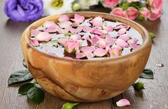 In this week's article on 2 Health App we are sharing the recipe of the easiest magical homemade facial product ever: rose water facial toner. Learn how to make it and why rose water is so versatile and magical: link in bio! How To Stay Healthy, Healthy Life, Homemade Cosmetics, Health App, Homemade Facials, Facial Toner, Rose Water, How To Do Yoga, Diet Tips
